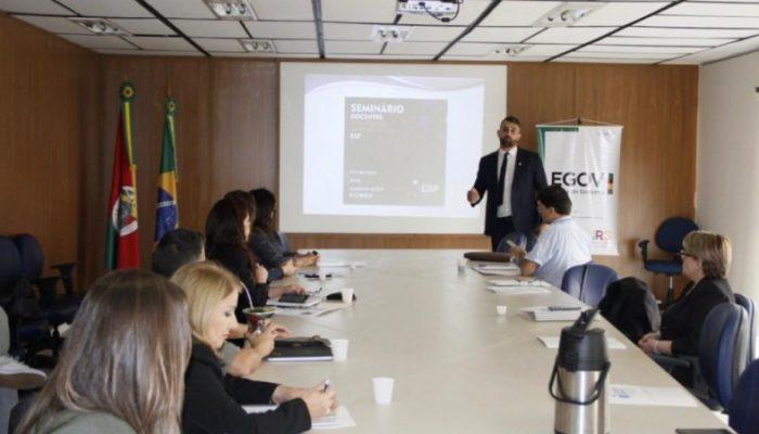Egov promove integração entre escolas do Executivo